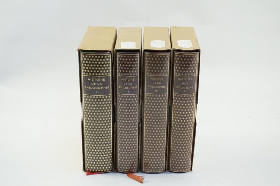 Lot composé de quatre ouvrages édition LA PLÉIADE : Histoire de la Philosophie, tomes I à III, Histoire de la Religion, tome III.