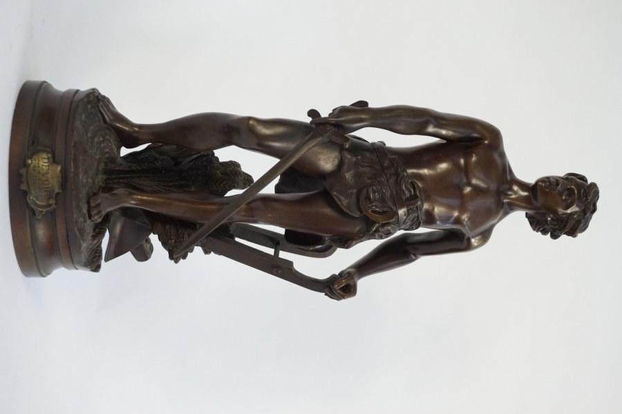 A. Gaudez. Le Devoir par A. Gaudez hors concours. Bronze. H. : 44,5 cm.