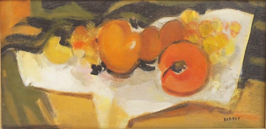 BERRET (XXe). Nature morte aux fruits peinte sur une palette de peintre. Huile sur panneau encadrée. 35 x 57 cm.