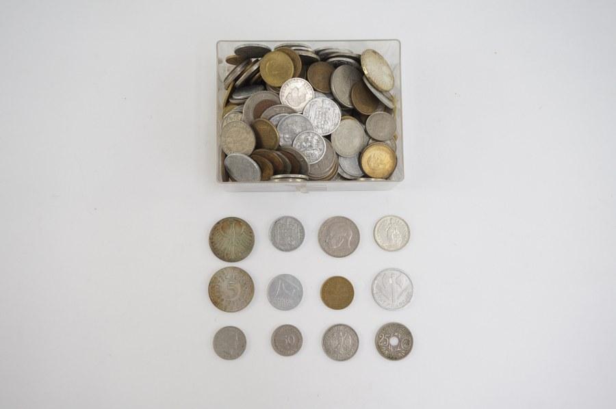 Lot de pièces diverses.