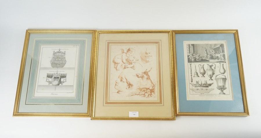 Lot de trois gravures bien encadrées sous verre : planche de l'Encyclopédie - Orfèvrerie, poupe de frégates royales, études façon sanguine. XVIIIe siècle. La plus grande : 39,5 x 33,5 cm.