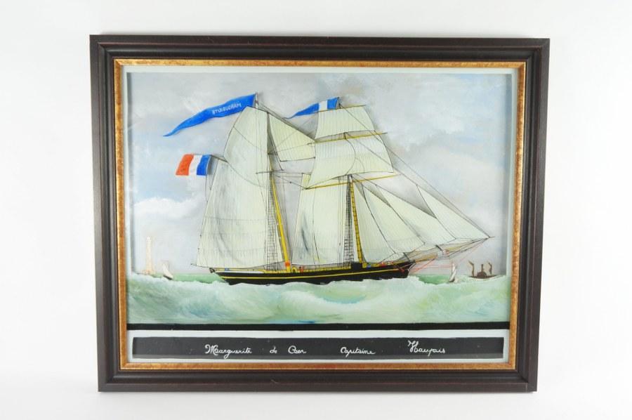 Dans le goût de Jean-François FONTAINE (1827-1895). Fixé sous verre représentant le Marguerite de Caen, navire dirigé par le capitaine Haupais. Construit en 1857, cette goélette est coulée au large des côtes anglaises le 23 août 1883. Peinture sur verre, gouache sur papier. Travail normand de la seconde moitié du XIXe siècle. 57 x 72 cm.