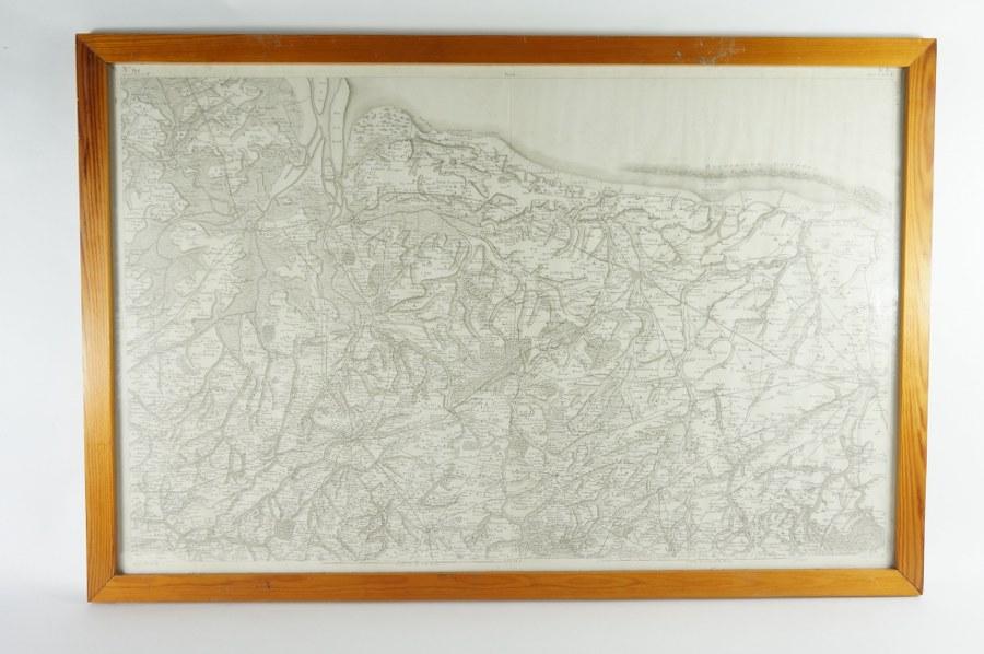 Carte encadrée sous verre des côtes normandes de Pont-l'Abbé à Caen, allant dans les terres jusqu'à Thorigny. Échelle en toises et en mètres. Estampe de la fin du XVIIIe - Début du XIXe siècle. 65,5 x 98,5 cm (cadre).