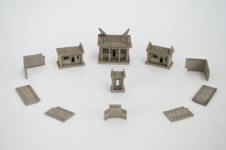 Modèle réduit d'habitations en terre cuite. Siam (?). Fin du XIXe - Début du XXe siècle. Accidents et restaurations.