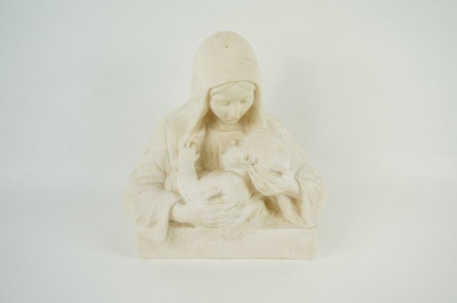 Sculpture en plâtre de Vierge et l'Enfant. Signée COULLET-MOUTARD. XXe siècle. H. : 30 cm.