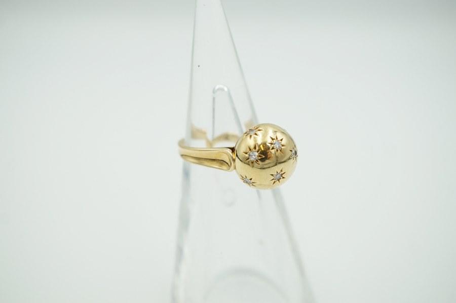 Bague en or jaune (750°°°) sertie de brillants. Poids brut : 6,4 gr.