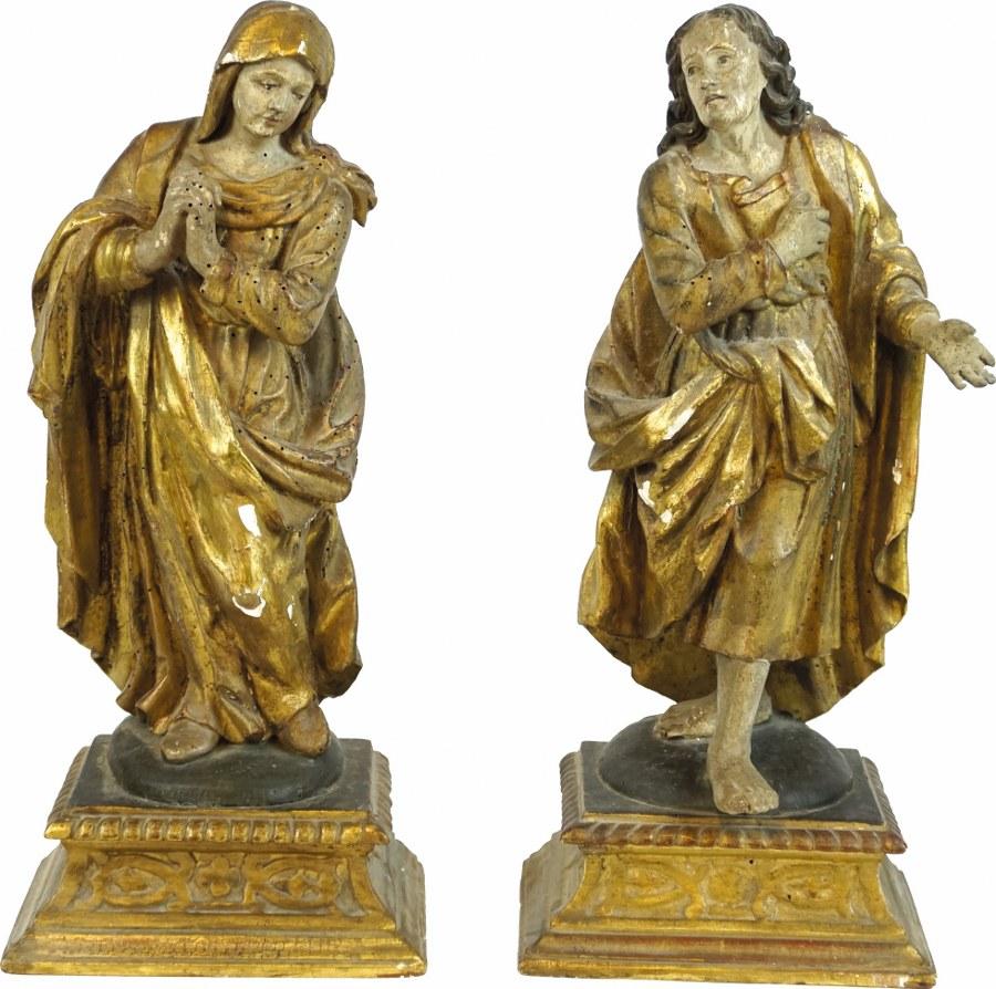 La Vierge et saint Jean en bois sculpté, polychromé et doré, dos ébauchés ; bases à doucine.